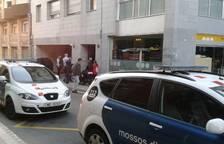 Continua l'operatiu dels Mossos per detenir un home que robava vehicles en un pàrquing a Reus
