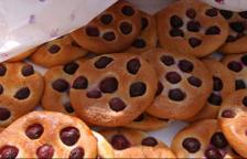 La coca amb cireres, recepta típica de la festivitat de Corpus