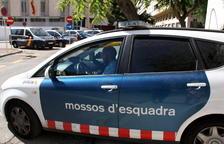 La policia i els Mossos busquen el conductor que ha atropellat greument una veïna de Cunit i ha fugit
