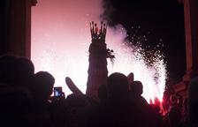 Fuego, bailes y gran fervor en el día grande de las fiestas en honor a la Virgen