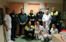 Els cossos policials visiten els infants ingressats a l'Hospital del Vendrell