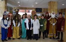 Els Reis d'Orient reparteixen regals a l'Hospital Joan XXIII
