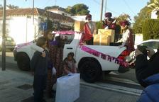 Ses Majestats visiten les urbanitzacions i barris cambrilencs