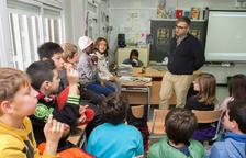 Catifa vermella a l'Escola Els Ganxets de Reus per a rebre Daniel Villanueva i 'Timecode'