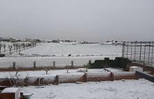 Una nevada generosa tenyeix de blanc Prades