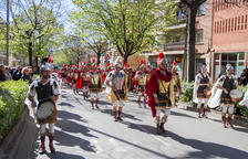 Més de 900 armats desfilen pels carrers de la Selva del Camp