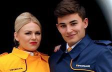 Ryanair torna a buscar 100 nous tripulants de cabina