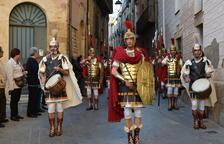 Els Torns de Guàrdia dels Armats de la Sang omplen la plaça del Rei de Tarragona