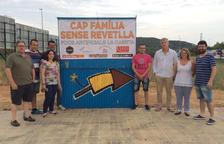 Focs Artificials La Caseta de Calafell destina part dels guanys de Sant Joan a distribuir 750 quilos d'aliments bàsics