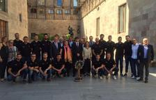Carles Puigdemont rep al Reus Deportiu la Fira campió d'Europa