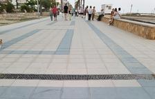 Cunit instal·la plaques de quilometratge al Passeig Marítim per a fer esport