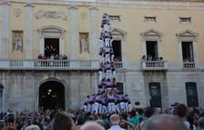 La diada de Sant Joan de la plaça de la Font arriba carregada d'estrenes