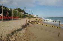 Senyalitzen el gran esglaó de la platja del Francàs per evitar incidents