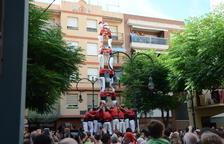 Gran actuació per Sant Pere dels Xiquets del Serrallo amb l'estrena de tres castells de set i mig