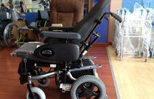 Solidaritat per aconseguir una cadira de rodes per a un veí del Vendrell sense recursos