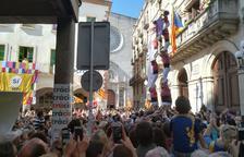 La plaça del Blat es desborda a favor del referèndum