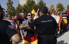 Agressió dels ultres a la presidenta de les Corts d'Aragó en un acte de Podem a Saragossa