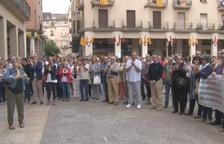 Unes 200 persones donen suport a l'alcalde de Tortosa abans que comparegui davant del Fiscal a Madrid