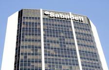 Banc Sabadell comunica als treballadors que canvia de seu per la reacció de la clientela de fora de Catalunya
