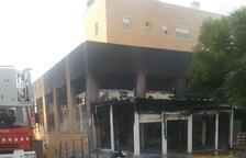 L'edifici afectat per l'incendi d'un basar a Cunit no pateix danys estructurals