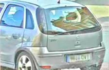 Detingut un home al Vendrell per dos robatoris violents fent estrebades des d'un cotxe