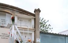 Tortosa abasteix el cementiri municipal amb sis escales de seguretat i fàcil mobilitat