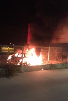 Es crema un cotxe a Torredembarra durant la matinada
