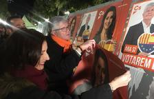 Els partits polítics de Tarragona desconvoquen l'enganxada de cartells pel 28-A