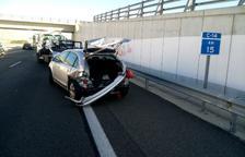Un accident entre dos vehicles a la C-14 deixa un ferit lleu