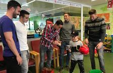 Jugadors del CF Reus visiten l'Hospital Sant Joan