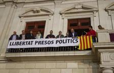 Pellicer recorrerà la decisió de la JEZ de retirar la pancarta i el llaç groc de l'Ajuntament