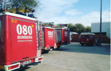 Un incendi a Sant Carles de la Ràpita obliga a evacuar dues persones