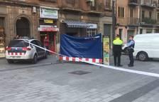 Mor el propietari d'un bar de la zona a la plaça Corsini