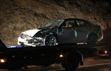 Muere un motorista al chocar frontalmente con un coche