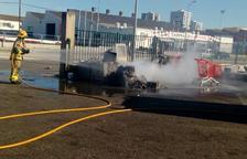Provoquen un incendi a una ferralleria del polígon Francolí