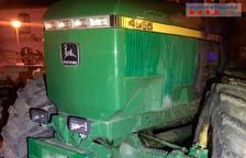 Tres detinguts per robar el gasoil d'un tractor en una finca a Vilaverd