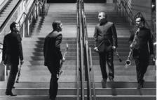 Alcover es vesteix d'estrena amb 'Black Pool Suite'