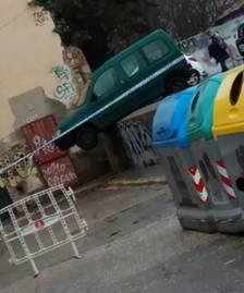 Un conductor bebido y sin puntos en el carné, a punto de caer calle abajo en Valls