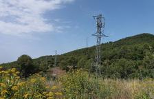 Endesa reforma una línia elèctrica al Coll de l'Illa per millorar el servei a Valls