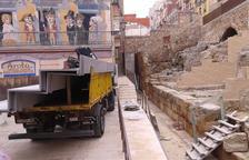 Les grades que cobriran part del Circ arriben a la plaça dels Sedassos