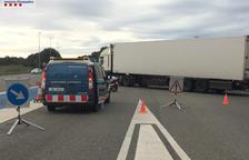 Detecten irregularitats en la meitat dels camions en un control a Vila-seca