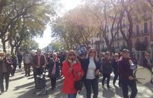 Nova concentració de jubilats i pensionistes a la plaça de la Font