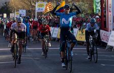 Valverde venç a l'esprint a Valls i és el nou líder de la Volta