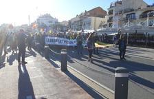 Un miler de persones es manifesten a Cambrils per la llibertat dels «presos polítics»