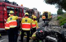 Mor un home 47 anys en bolcar el cotxe que conduïa a l'N-340 a Alcanar