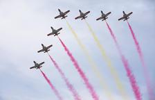 Els avions de l'Exèrcit es llueixen a Tarragona davant milers de persones
