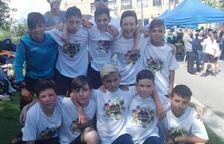 L'equip femení de l'escola Àngel Guimerà, campió del Campionat d'Espanya del Cruyff Court