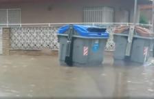 Veïns de Calafell reclamen reubicar els contenidors en zones no inundables