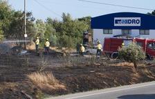 Un incendi talla la carretera de Misericòrdia entre Cambrils i Reus