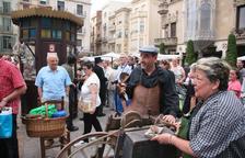 La plaça del Mercadal es converteix en un mercat antic